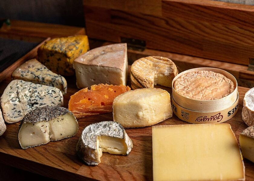 Restaurant Jag's Cheese Platter
